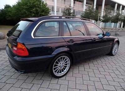 Lot 372 - 2000 BMW 328i SE Touring Auto