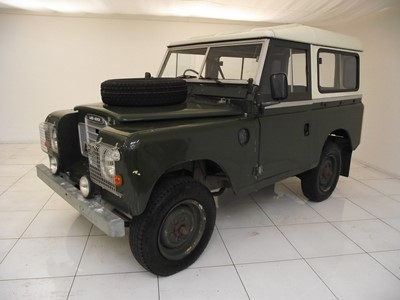 Lot 332 - 1983 Land Rover Series 3 '88'