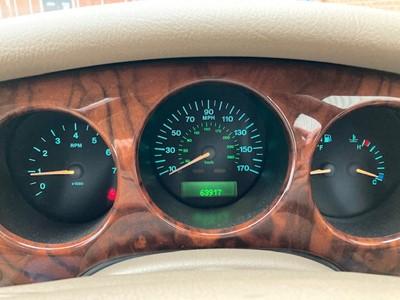 Lot 360 - 1999 Jaguar XJ8 4 Litre