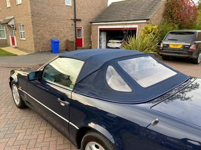 Lot 47 - 1995 Mercedes-Benz 320 SL