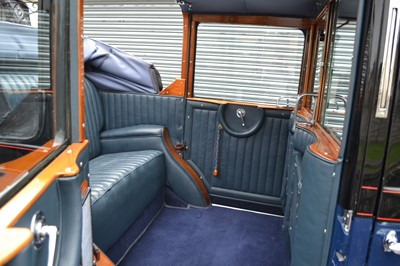 Lot 361 - 1938 Morris Super Six 'G2SW' Taxi