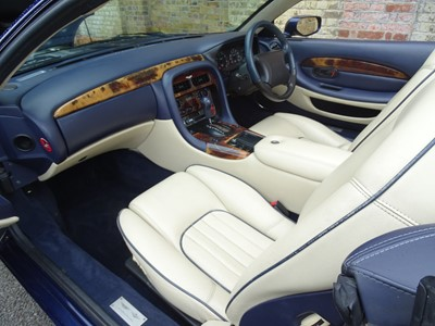 Lot 12 - 1998 Aston Martin DB7 Volante