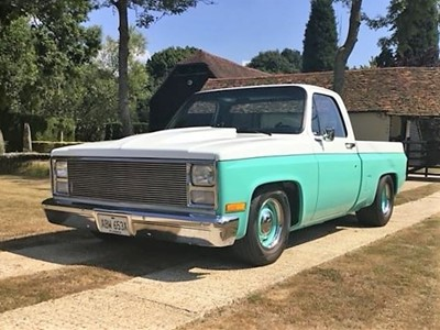 Lot 26 - 1982 Chevrolet C10 Shortbed Pickup