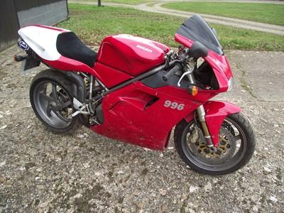 Lot 132 - 2000 Ducati 996