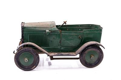 Lot 90 - Childs Vintage Pedal Car for Restoration