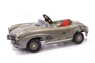 Lot 91 - Mercedes-Benz 300SL Roadster Pedal Car