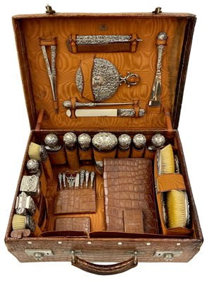 Lot 70 - A 19th Century Ladies Travelling Vanity / Dressing Case