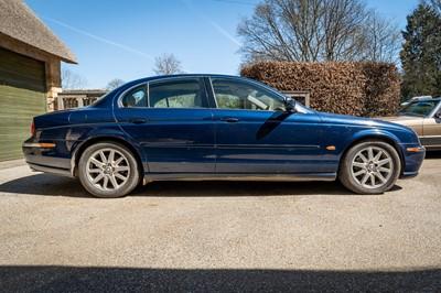 Lot 1999 Jaguar S-Type