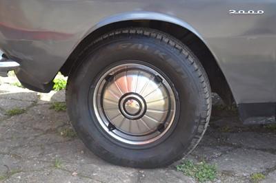 Lot 305 - 1969 Rover P6 2000