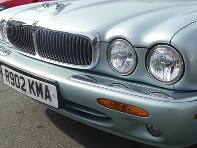 Lot 371 - 1998 Jaguar XJ8 4.0
