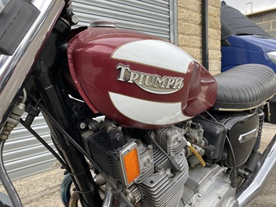 Lot 8 - 1975 Triumph T160