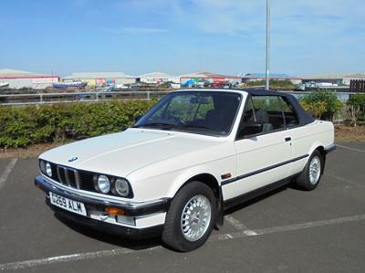 Lot 19 - 1990 BMW 320i Convertible