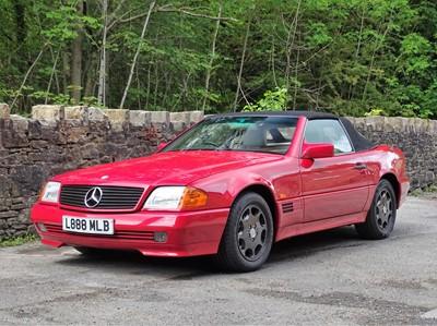 Lot 12 - 1994 Mercedes-Benz SL 280