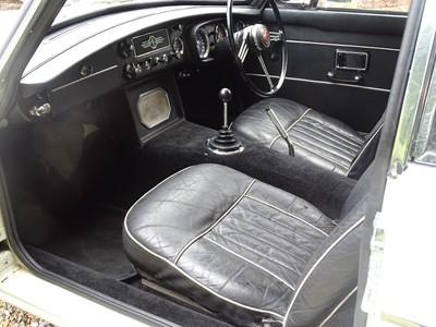 Lot 33 - 1968 MG C GT