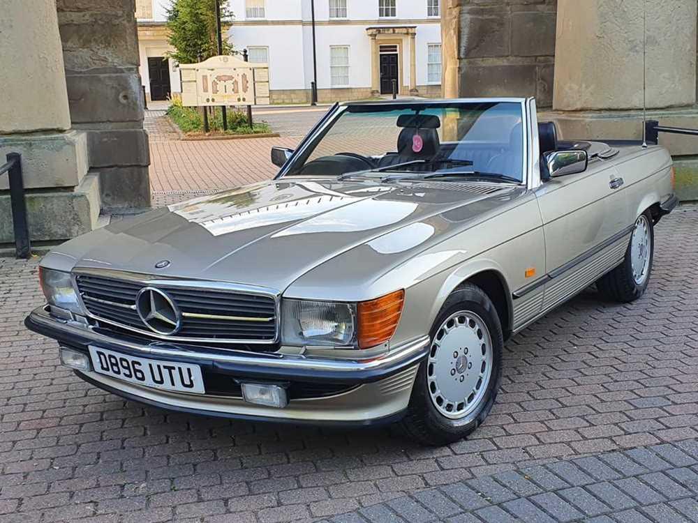 Lot 29 - 1986 Mercedes-Benz 500 SL