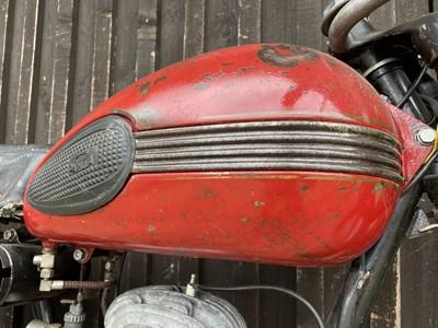 Lot 229 - 1956 Parilia Lusso Veloce