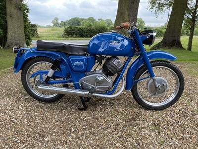 Lot 220 - 1960 Moto Guzzi Lodola
