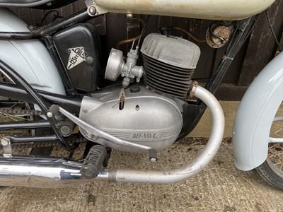 Lot 1963 Mi-val