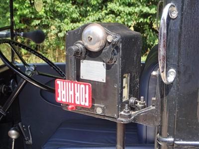 Lot 70 - 1937 Austin 12/4 'Low Loader' Taxi