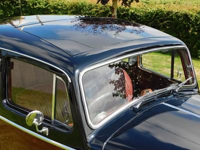 Lot 18 - 1947 Jaguar 3.5 Litre MKIV Saloon