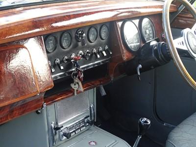 Lot 25 - 1963 Jaguar MKII 3.8