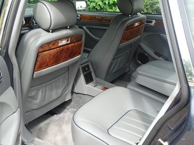 Lot 8 - 1993 Daimler Double Six