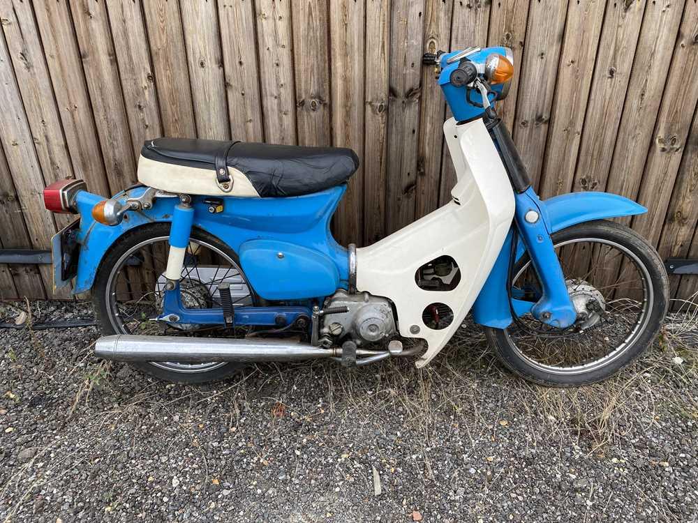 Lot 1984  Honda Cub