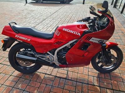 Lot 1986 Honda V1000F11
