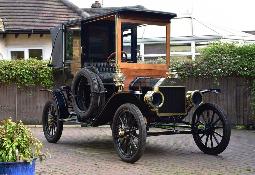 Lot 1909 Ford Model T Town Car