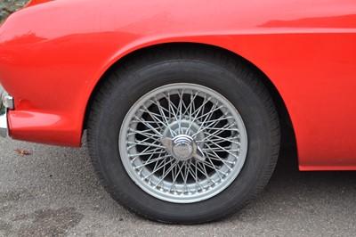 Lot 1966 Reliant Scimitar GT SE4