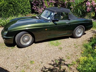 Lot 1997 MG RV8