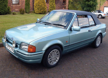 Lot 39-1989 Ford Escort XR3i Cabriolet