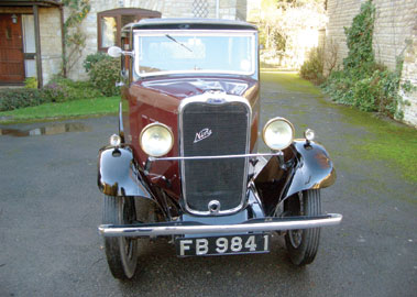 Lot 5-1932 Singer Nine Saloon