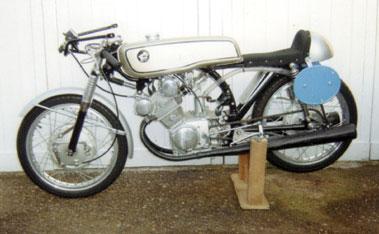 Lot 87-1963 Honda CR93