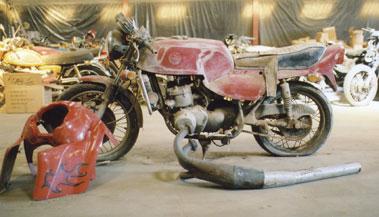 Lot 28-Suzuki GT750