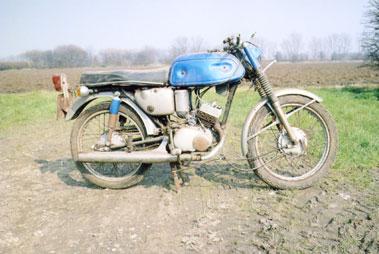 Lot 36-Yamaha AS1