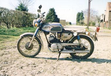 Lot 37-Yamaha AS1