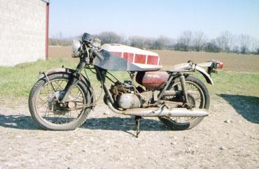 Lot 42-Suzuki T250