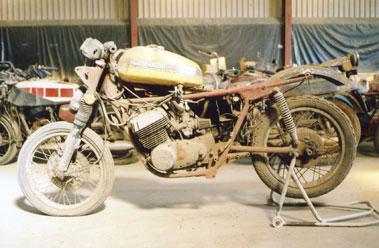 Lot 48-Suzuki T500
