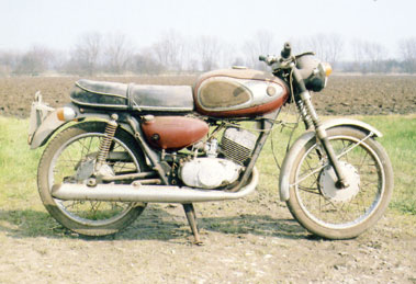 Lot 54-1968 Suzuki T200