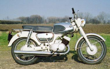 Lot 59-1966 Suzuki T10