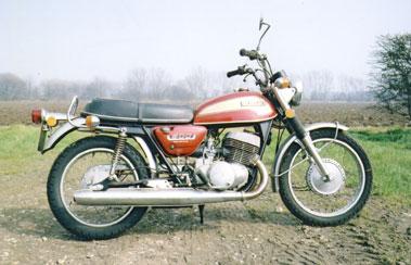 Lot 60-1974 Suzuki T500