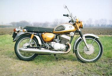 Lot 62-1969 Suzuki T500 Cobra