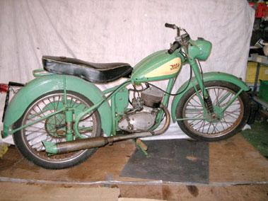 Lot 77-1963 BSA Bantam