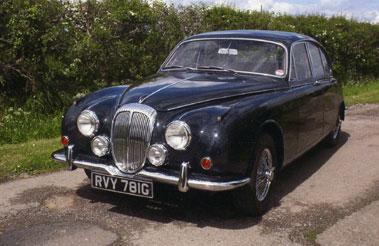 Lot 30-1969 Daimler V8-250