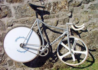 Lot 10-Rob Telfer Track Cycle