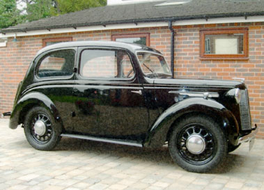 Lot 41-1943 Austin Eight Saloon