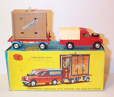 Lot 223-Corgi Gs19 Chipperfields Circus Land Rover & Ele Phant Cage Gift Set