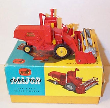 Lot 226-Corgi Major Toys No.1111 Massey Ferguson 780 Com Bine Harvester