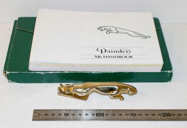 Lot 56-Jaguar/Daimler Xj40 Owners Handbook & Mascot